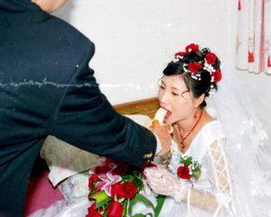 رسم عجیب چینیها در مراسم عروسی