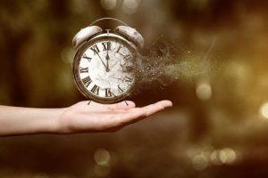 شعر ساعت از اشعار زیبای سهراب سپهری