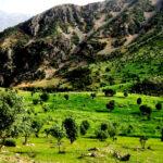 آبشار دره عشق در فاصله ۱۱۰ کیلومتری شهرکرد