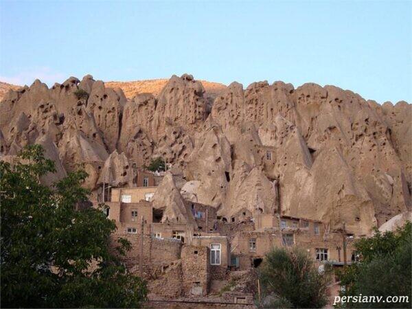 روستای صخرهای کندوان