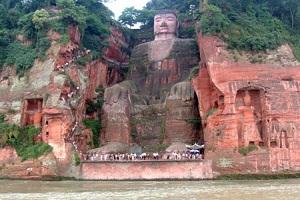 مجسمه اسرارآمیزدر کوه داگوانگ مینگ چین+تصاویر