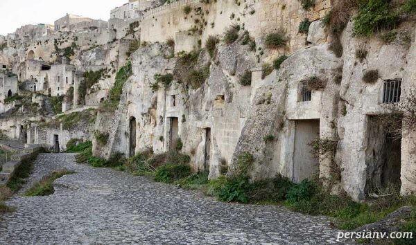غار ایتالیا