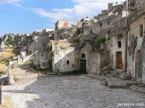 غارهایی در ایتالیا که به عصر حجر باز می گردد و هنوز سکونت در آن وجود دارد+تصاویر