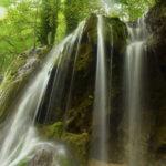 آبشار زیبا و دیدنی بولا در جنگل های بکر و دست نخورده شمال