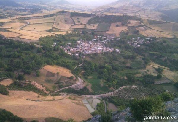 سفر به روستای دیدنی و پر از چشمه های فراوان، چشمه چنار +تصاویر