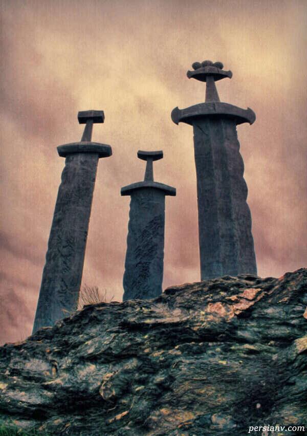 شمشیرهایی در سنگ نروژ