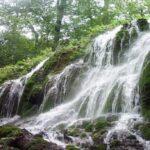 اوبن یکی از زیباترین و بکرترین آبشارهای ایران در عمق جنگل های شمال