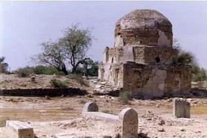 گشتی در قبرستانهای تاریخی قشم +تصاویر