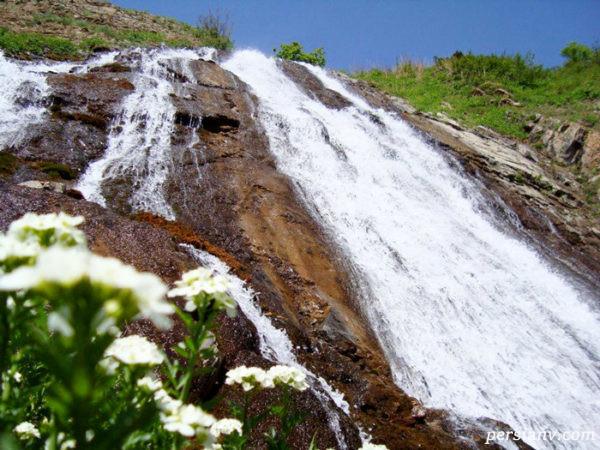 آبشار آقبلاغ بلندترین نقطه شهرستان خلخال با طبیعتی متفاوت