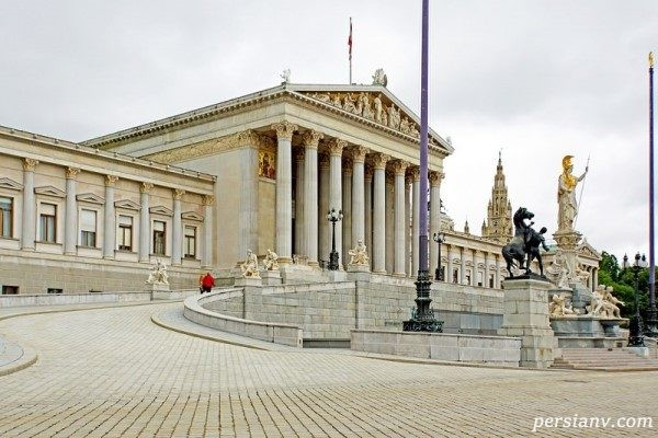 ساختمان پارلمان وین، معماری یونانی در دل اتریش + تصاویر