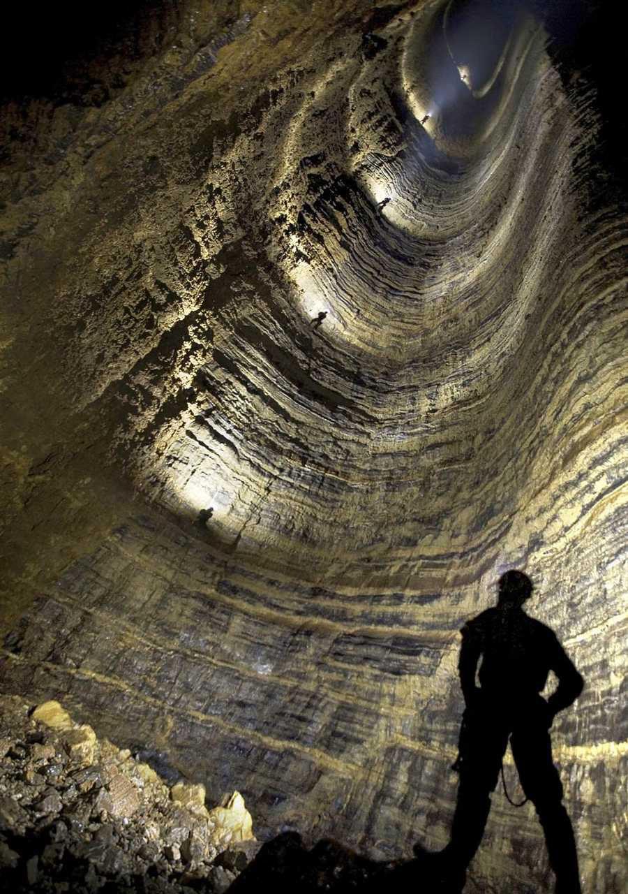 غار کروبرا عمیق ترین غار جهان که شناخته شده است+تصاویر