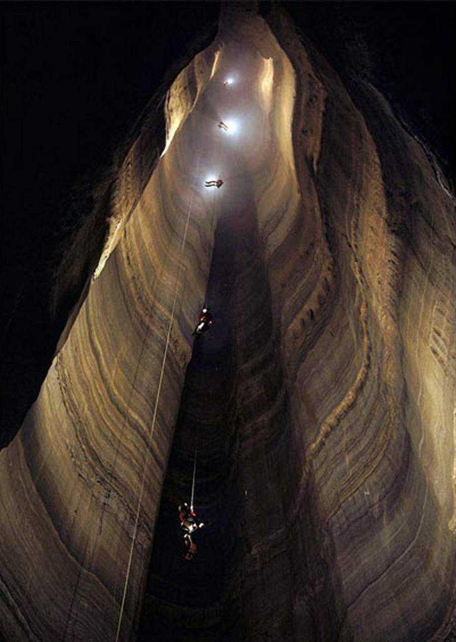 عمیق ترین غار جهان