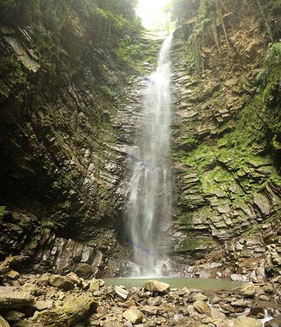 بلندترین و زیباترین آبشار ایران +تصاویر