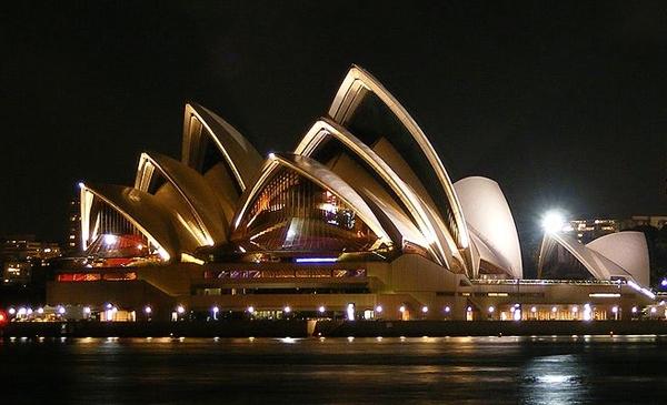 خانه اپرای سیدنی استرالیا از دیدنی های زیبا در این شهر + تصاویر