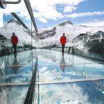 پیاده روی بسیار هیجان انگیز بر فراز یخچالهای طبیعی کانادا+تصاویر