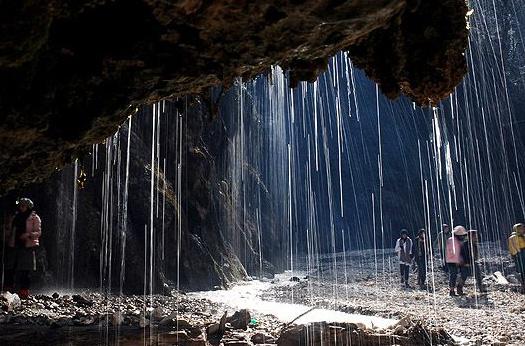 آبشار کبودوال از جاذبه های طبیعی بسیار زیبای گلستان + تصاویر