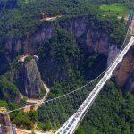 طولانی ترین و بلندترین پل شیشه ای در چین +تصاویر