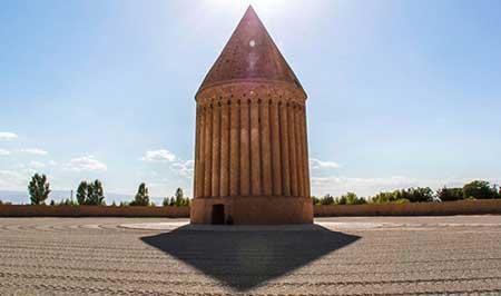 سفربه برج تاریخی و دیدنی رادکان +تصاویر