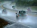 رعایت نکات ایمنی حین رانندگی در جاده بارانی