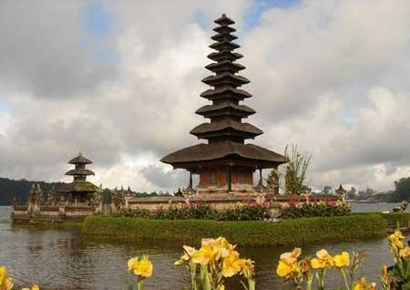 معبد پورا براتان، بالی+تصاویر