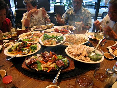 غذا خوردن در سفر به چین