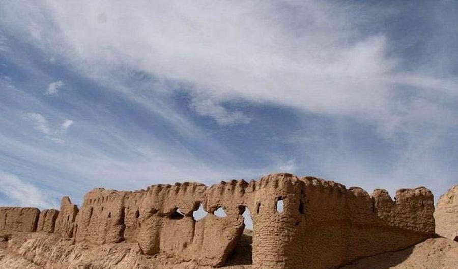 گشت و گذار در بقایای دیدنی و تاریخی قلعه دختر کرمان