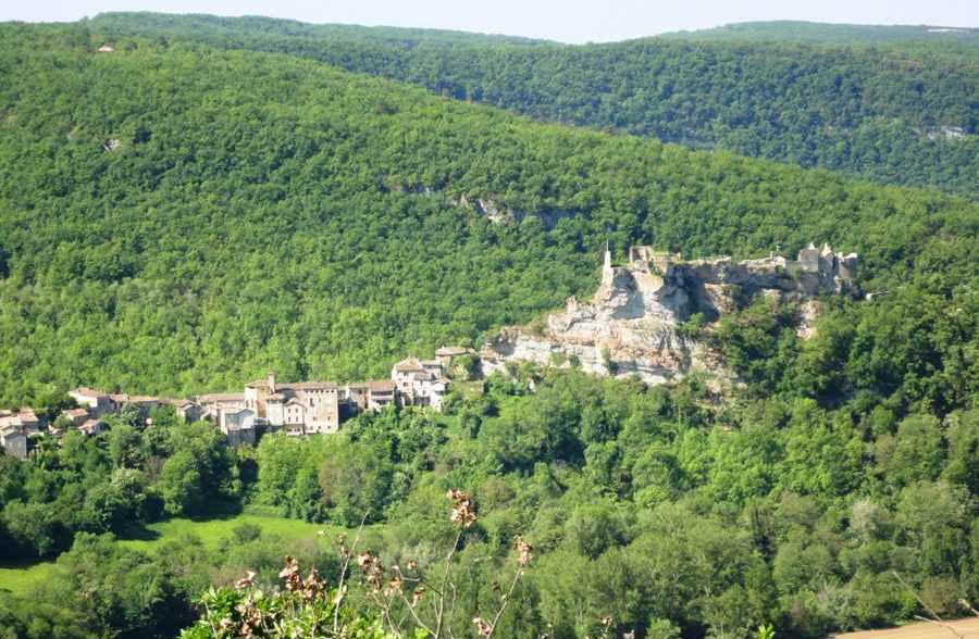 زیبایی های روستای پن جاذبه ای افسانه ای و رویایی در فرانسه