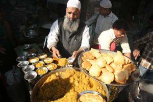 نکات مهم و راهنمای کامل برای خوردن غذاهای خیابانی هند