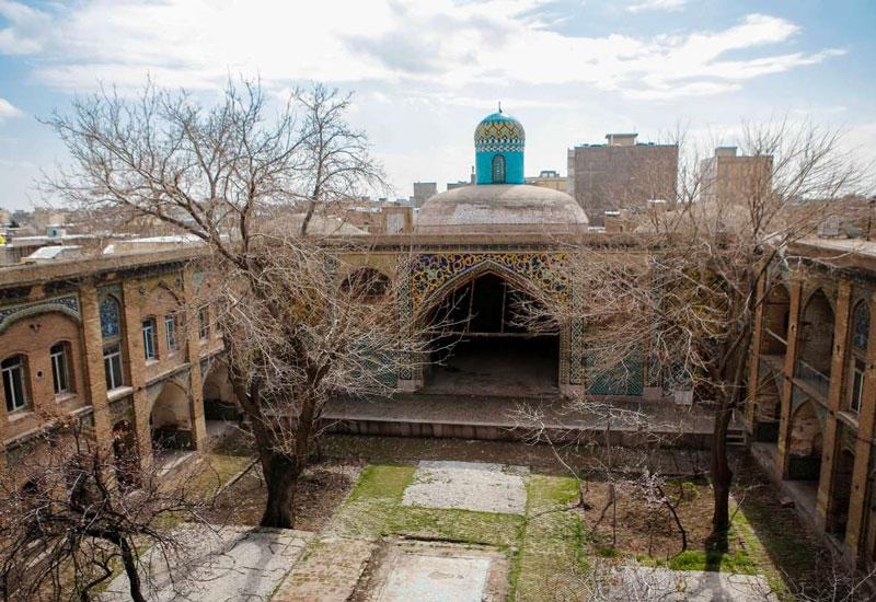با تاریخ و جذابیت های مسجد و مدرسه سردار قزوین
