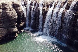 آبشار اسفند یا پورا طبیعتی بکر و بی نظیر در سیستان بلوچستان