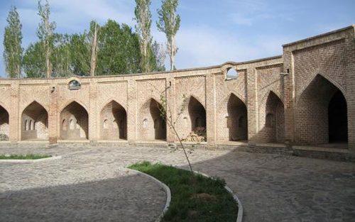 کاروانسرای تاجآباد