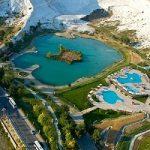پاموکاله یکی از چشمههای آب گرم ترکیه در نزدیکی شهر آنتالیا