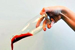 طراحی بطری با پوشش بسیار صاف که سس با سرعت از آن خارج می شود!