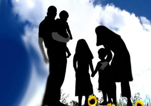 دو راهی شاغلبودن یا مادرشدن/ زنانی که همپای مردان میدوند