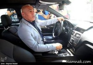 علیرضا منصوریان در کنار ماشینش، پس از خط خطی شدن! + عکس