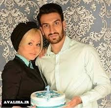 حسین ماهینی و همسر و فرزندش با جام قهرمانی پرسپولیس + عکس