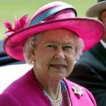 عیادت ملکه بریتانیا از مجروحان حمله منچستر