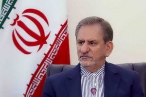 جهانگیری و رفسنجانی در بازدید از اولین کامپیوتر وارد شده به ایران!