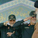 احترام ویژه سردار قاسم سلیمانی به رهبر انقلاب+ عکس