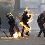 آتش زدن مامور پلیس! + تصاویر
