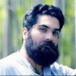 علی زند وکیلی خواننده معروف ایرانی با لباس عجیب و غریب!