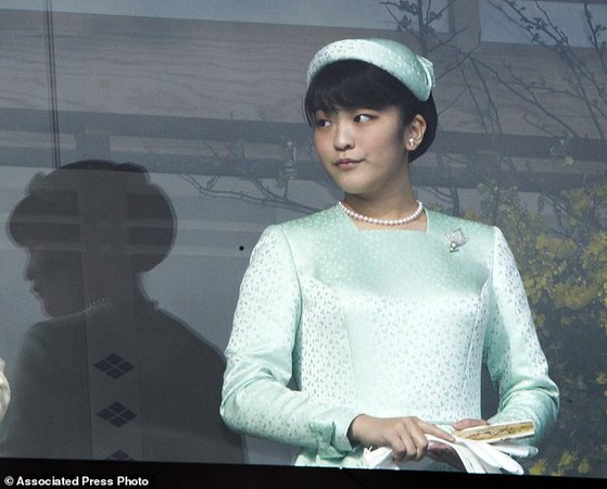 ازدواج پرنسس ژاپنی با کارگر رستوران