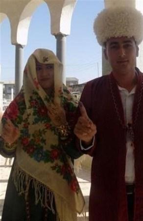 رای دادن عروس و داماد