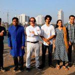 مجید مجیدی در کنار بازیگران هندی فیلمش