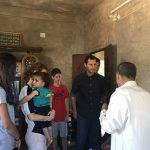 بشار اسد و همسرش با خودروی شخصی در سوریه