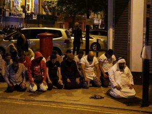 حمله دلخراش به مسلمانان در نزدیکی مسجدی در لندن!
