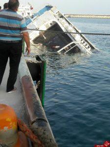 غرق شدن کشتی مسافربری در کیش!