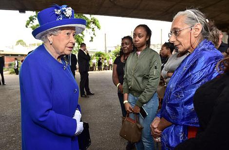ملکه و بازماندگان حادثه لندن