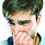 10 راه عملی برای رفع بوی سیر از دهان و دست!