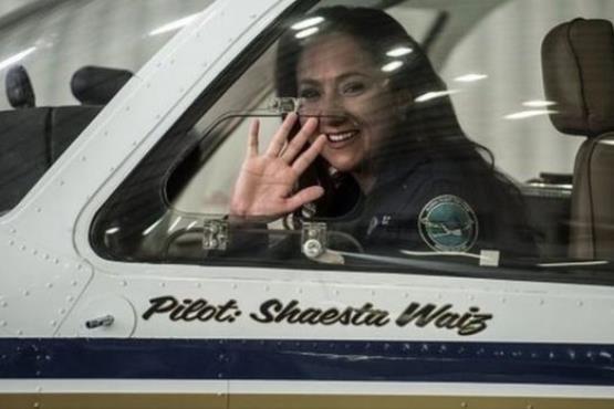 سفر دور دنیا خلبان زن